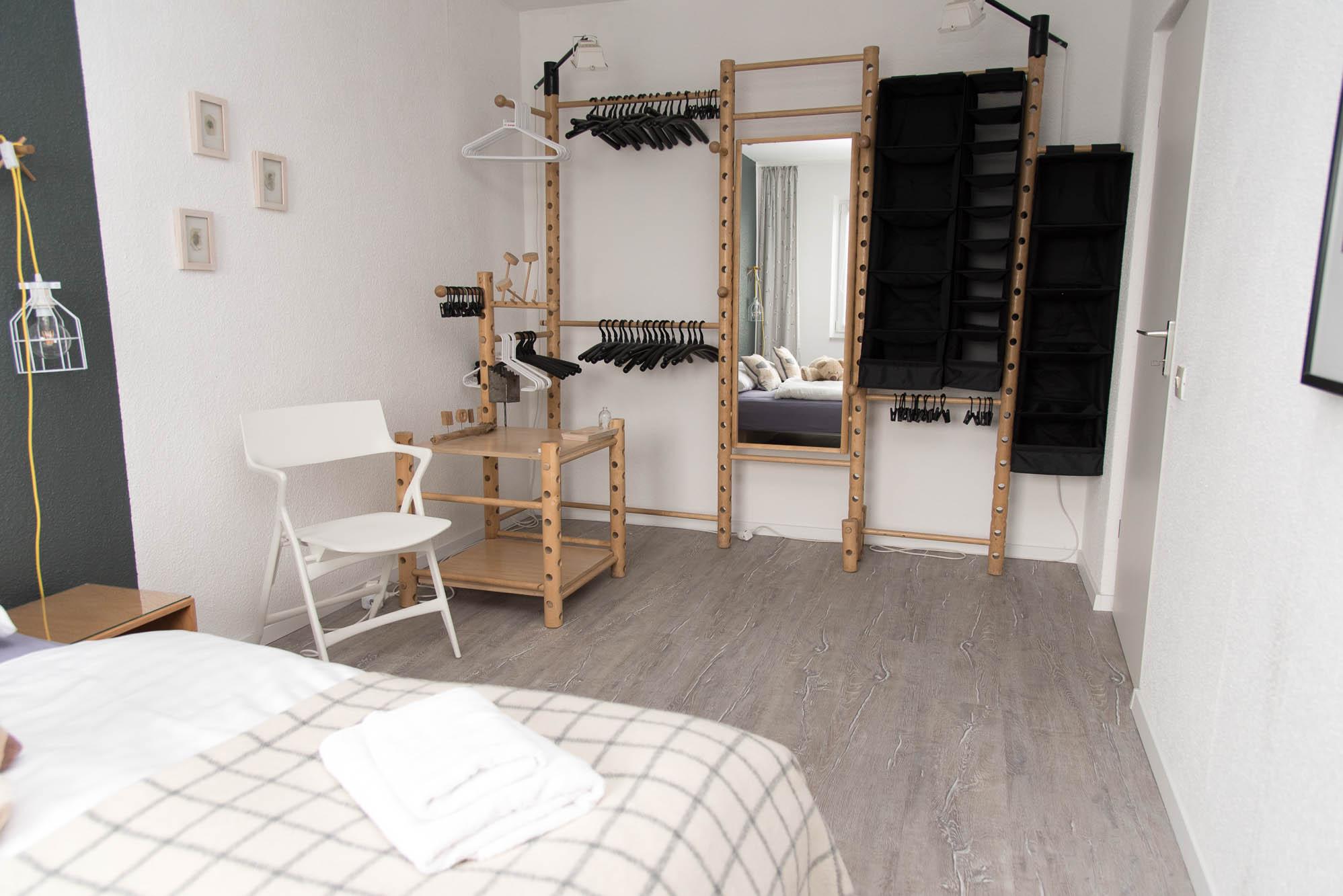 dragon 39 s den ferienwohnung f r 5 personen in kiel schilksee ferienwohnung schnoor. Black Bedroom Furniture Sets. Home Design Ideas